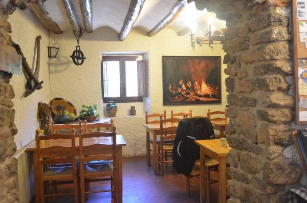 E8-2004 Farena Restaurant Brugent